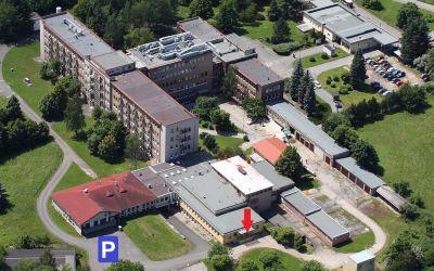 F_2A2_0912 nemocnice Rokycany - letecky - kopie